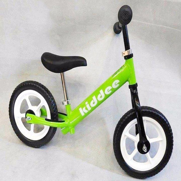 Xe thăng bằng Kiddee cho siêu nhẹ cho bé 1,9kg
